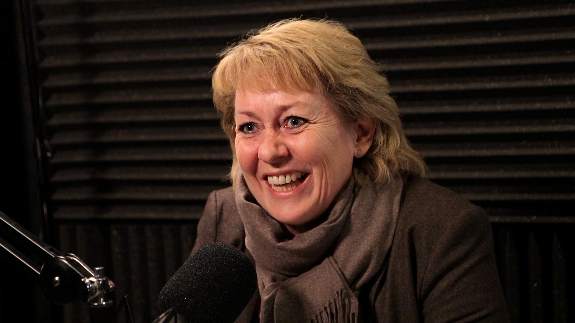 Elisabeth Hunter, Vinmonopolet